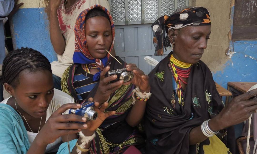 Aperte le candidature per Photovoice: una finestra sui diritti sessuali ed emotivi delle donne migranti
